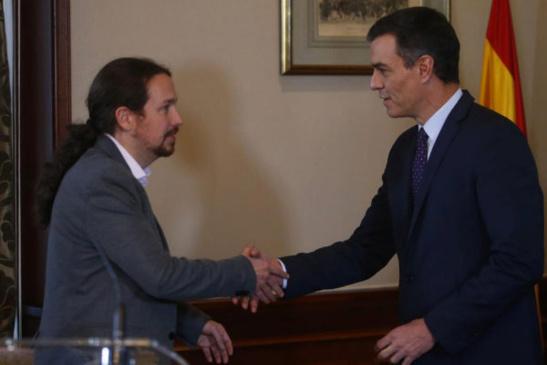 Fuente: Javier Barbacho, El Mundo. Pablo Iglesias y Pedro Sánchez durante el anuncio del acuerdo de ayer martes 12.11.2019