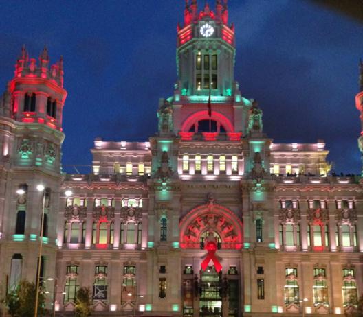 El Ayuntamiento de Madrid celebrando el Día Mundial de la Lucha Contra el sida 2013. Madrid, ESP, fecha 30.11.2013.